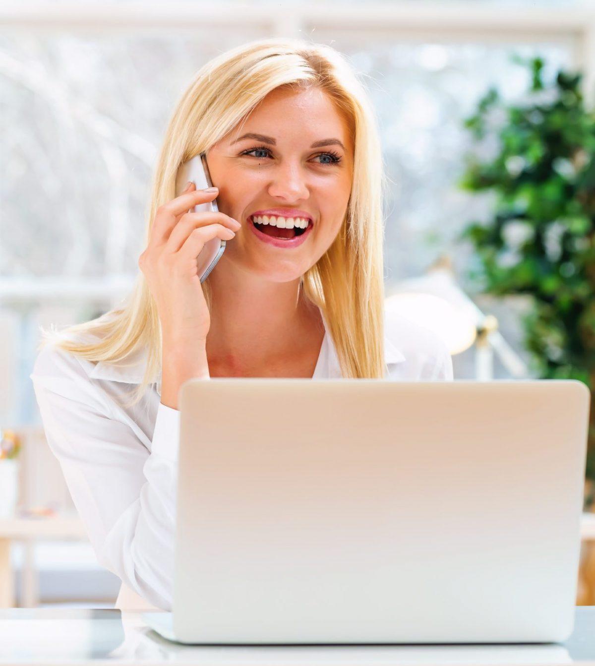 Doświadczenie klienta (CX) w call center. Pobierz darmowy e-book