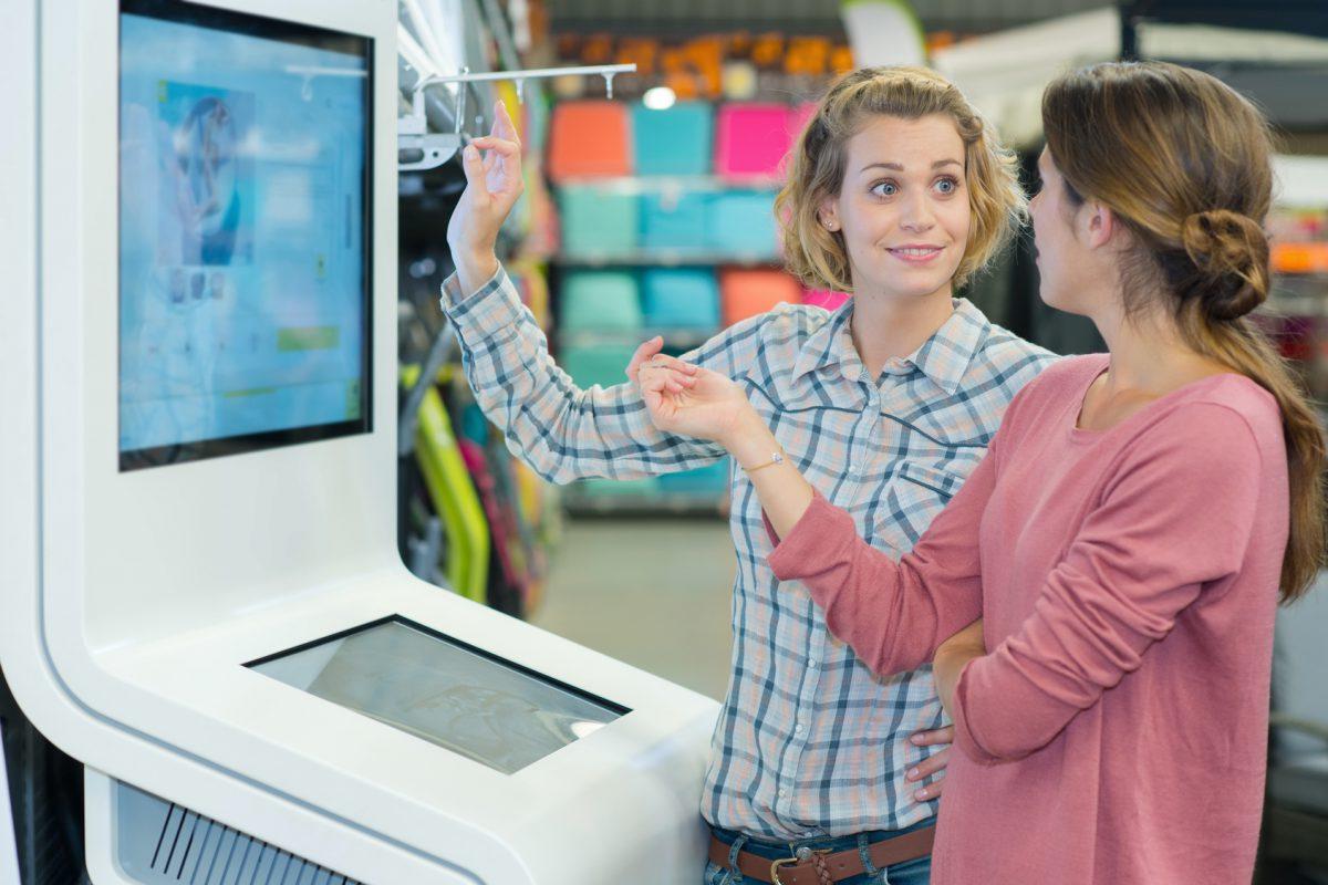Nadchodzą showroom-y. Czy sklepy stacjonarne mają jeszcze sens?